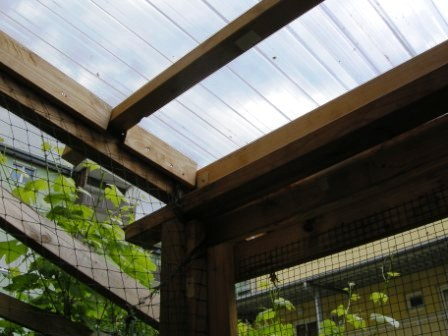 Dachkonstruktion der gesicherten Terrasse