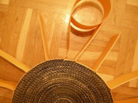 Sonnenstrahlen an das DIY Kratzboard kleben